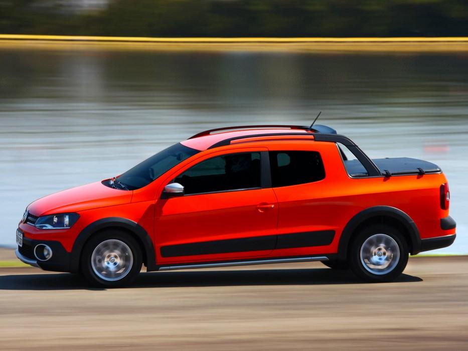 La versión Cross de la VW Saveiro es la más atractiva. Su deportividad sugiere también versatilidad...